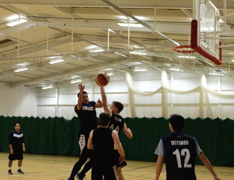 181208 basketball.jpg